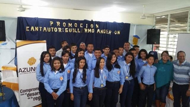 Azunosa apoya la educación hondureña otorgando becas