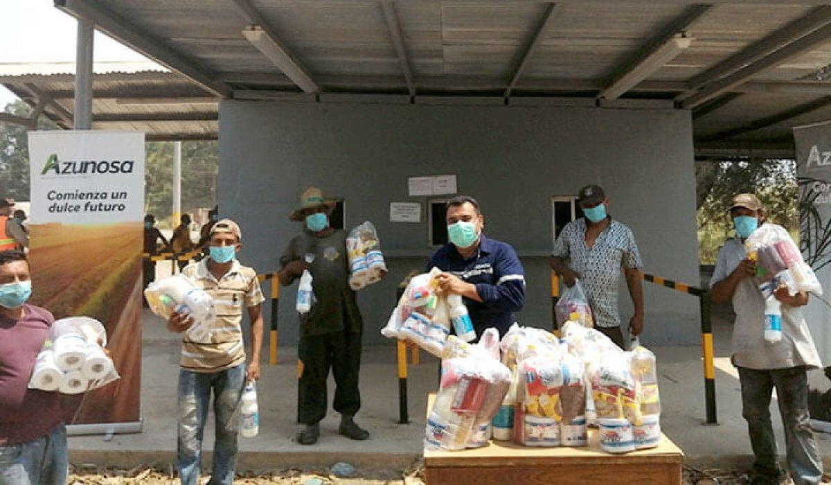 Azunosa entrega 2,100 bolsas de alimentos para beneficiar a colaboradores