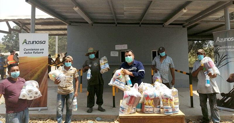 Azunosa entrega 2,100 bolsas de alimentos para colaboradores